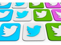 0115_multiple_tweets_symbols_on_keyboard_stock_photo_Slide01