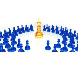 0914 Gold Chess King Surrounded By Pawns Leadership Image Stock Photo